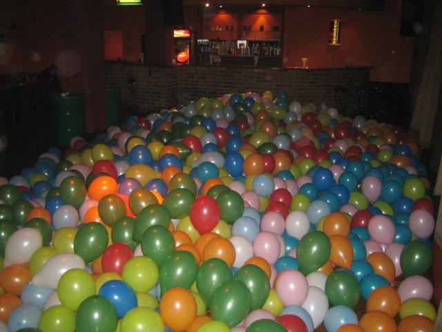 01_balloon_party